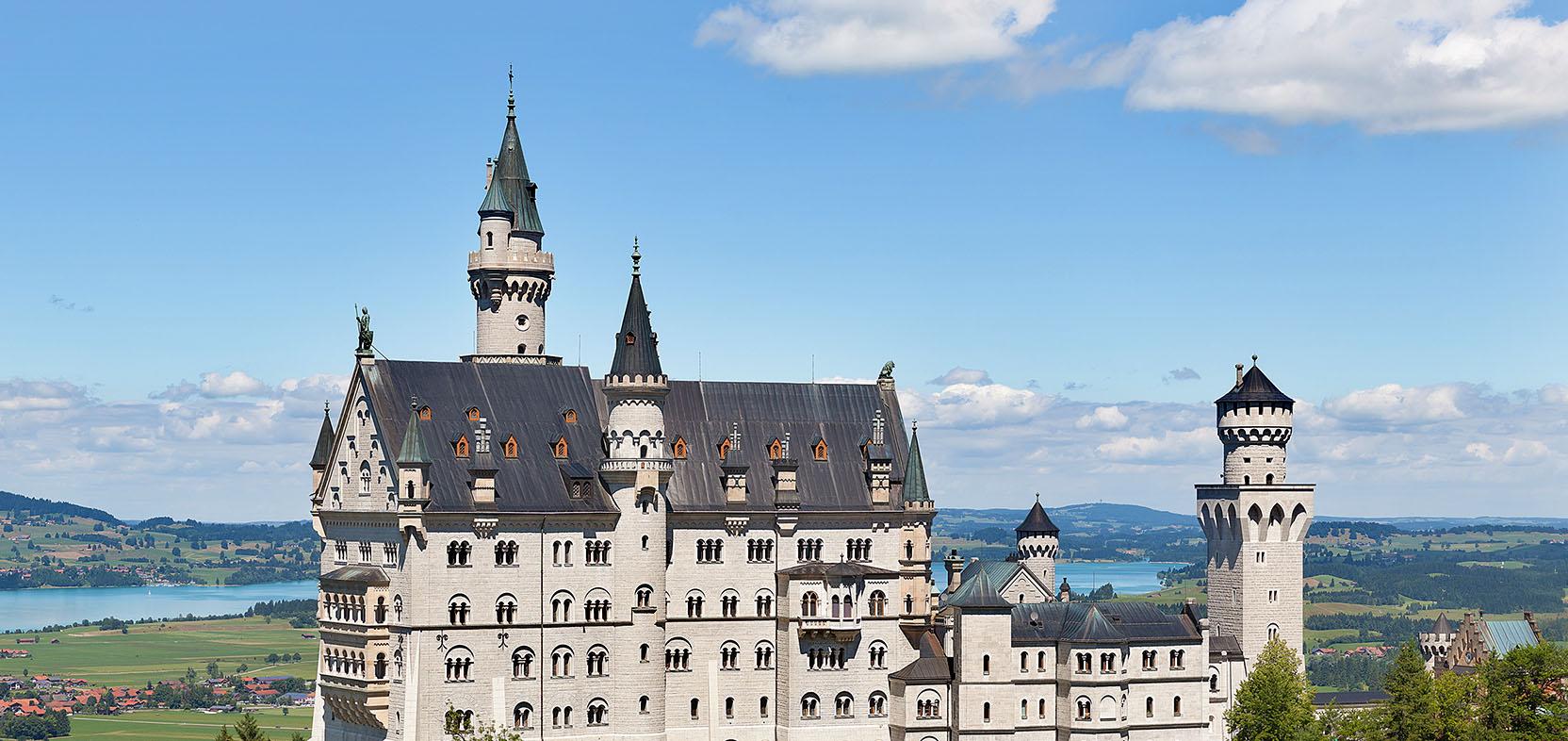 閱讀德國文學,體會西方宗教文化精髓。